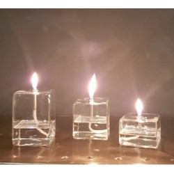 Lampe à huile cubique
